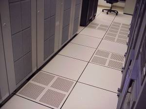 DE raised floor with perforated tiles